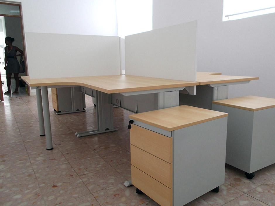 A sesis mobili rio de escrit rio equipa as instala es for Mobiliario de escritorio